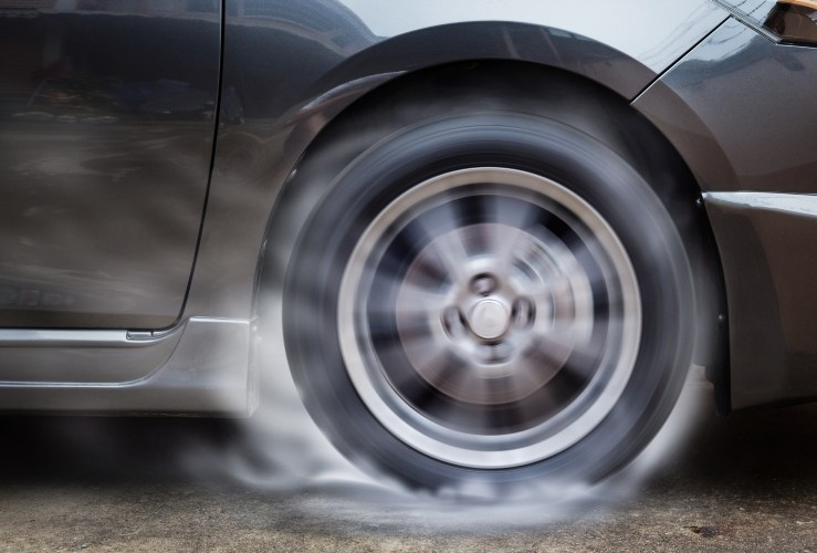 Man who taught 5-year-old son to do burnouts has car impounded